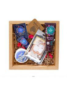 Набор косметики NATURE BOX Beauty Gift (маска для лица, бальзам для стоп, крем для рук, таблетка для ванн)